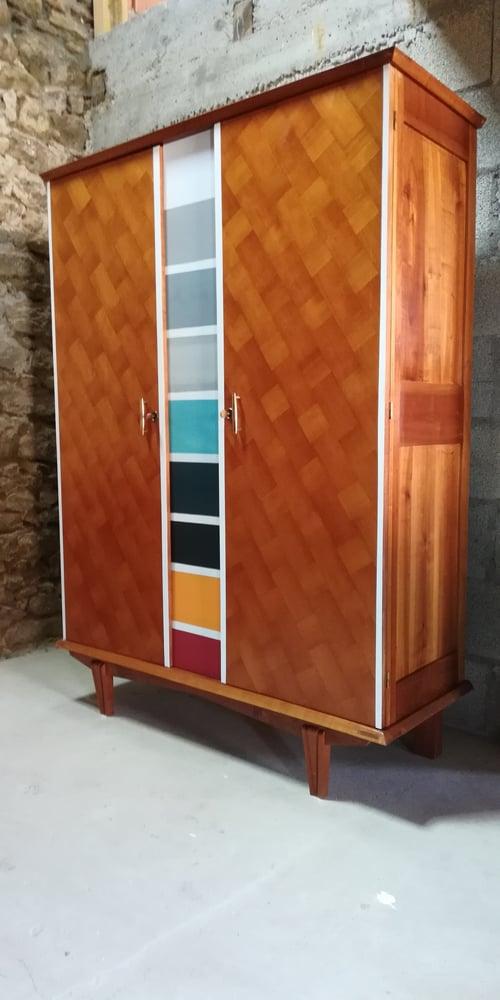 "Image of Penderie bois deco""multicolor """