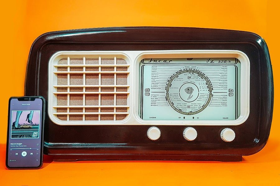 Image of INCAR VZ 520N (1952) SPEAKER VINTAGE BLUETOOTH