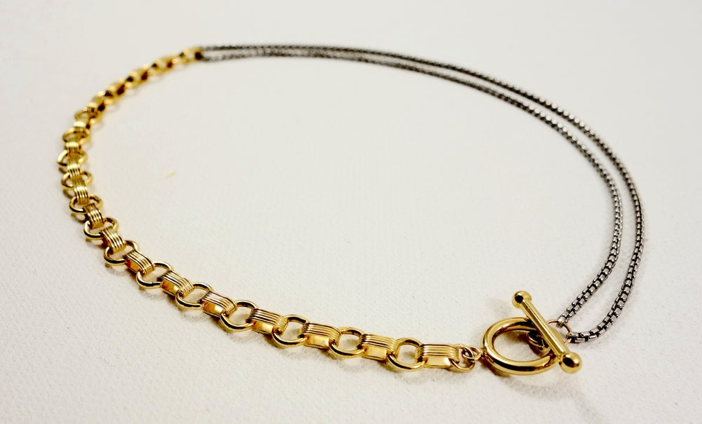 Image of MIX METAL TOGGLE CHOKER