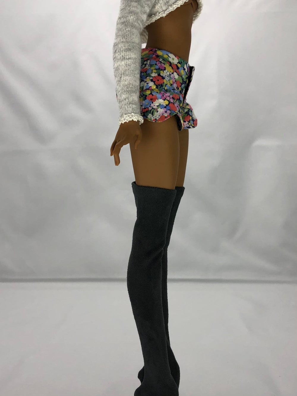 Scalloped Wildflower Shorts: Pidgin Doll