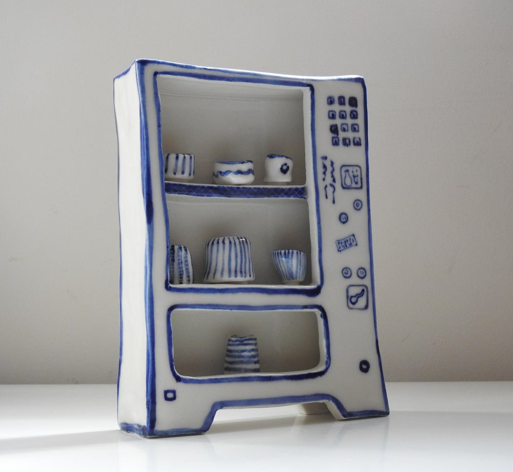 Image of 'Play' Vending Machine - Blue & White