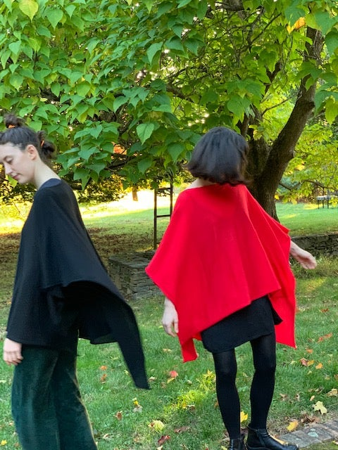 Image of Hiromi Cashmere Tie Wrap (black or red)