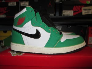 "Image of Air Jordan I (1) Retro High ""Lucky Green"" WMNS"