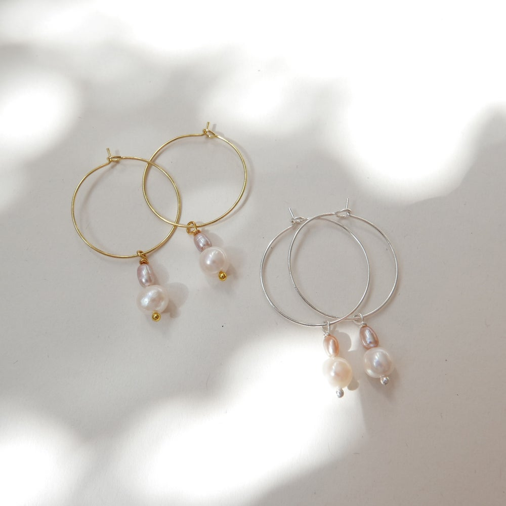 Image of Goodheart Hoops - Peach + White Pearls