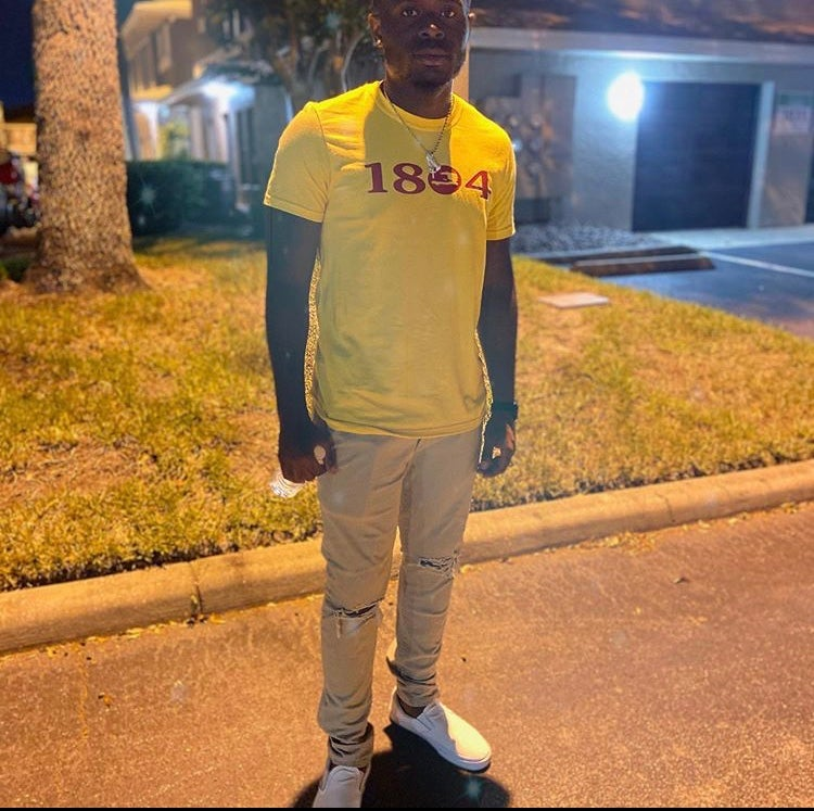 Image of YELLOW SHIRT WITH RED 1804
