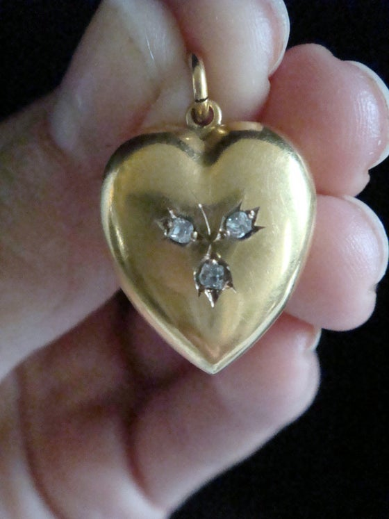 Image of Victorian 15ct yellow gold old cut diamond puff heart pendant
