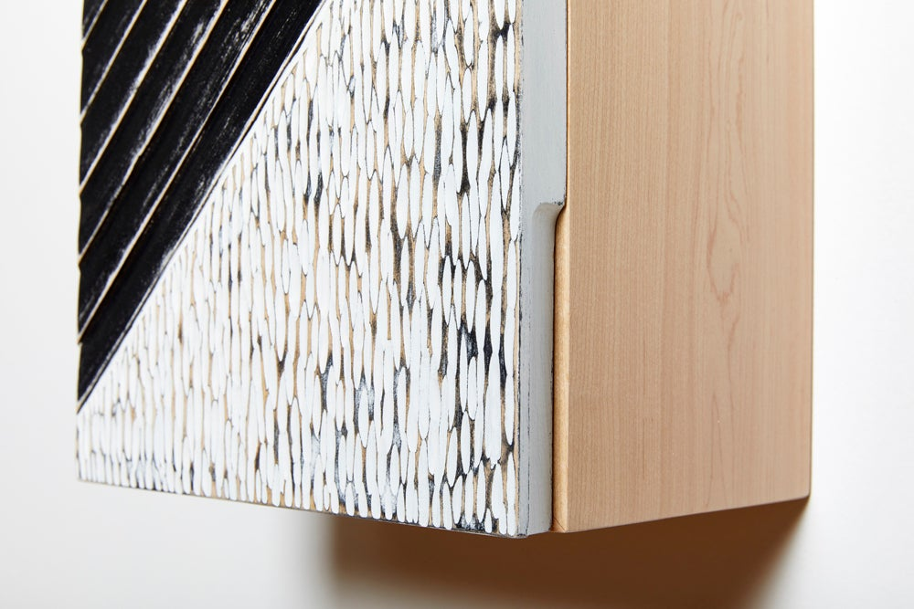 Transverse Wall Cabinet