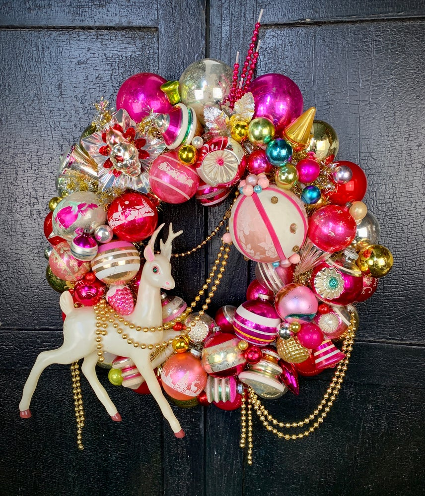 Image of Prancer in Pink Wreath