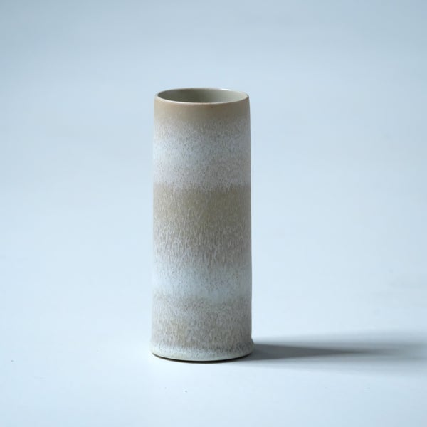 Image of UNIKA CYLINDER IN EARTH WHITE GLAZE