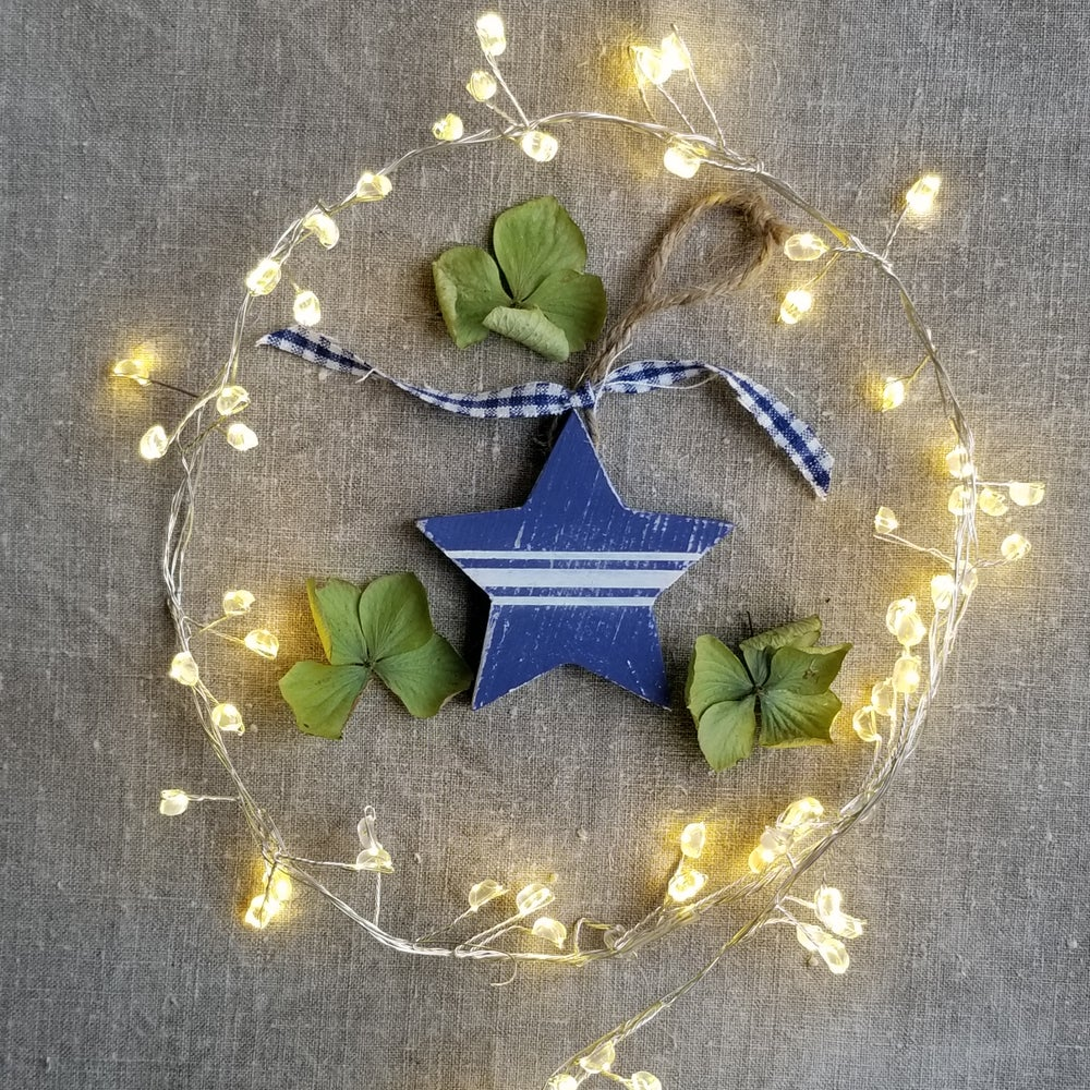 Image of Wooden Decorations Set - Blue/White