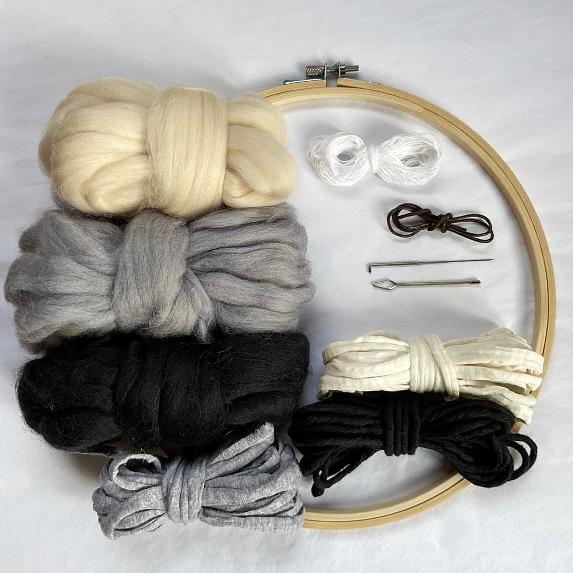 Image of Round weave kit - black and white