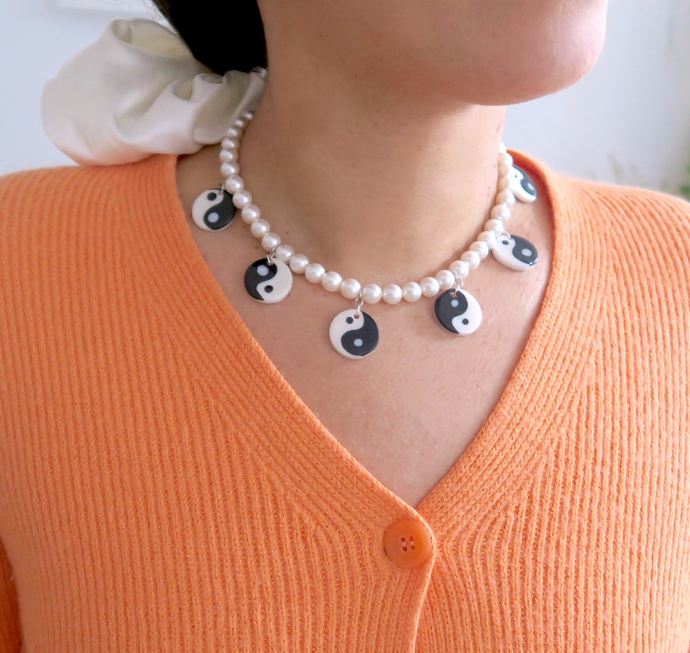 Image of Yin Yang necklace - Black and white