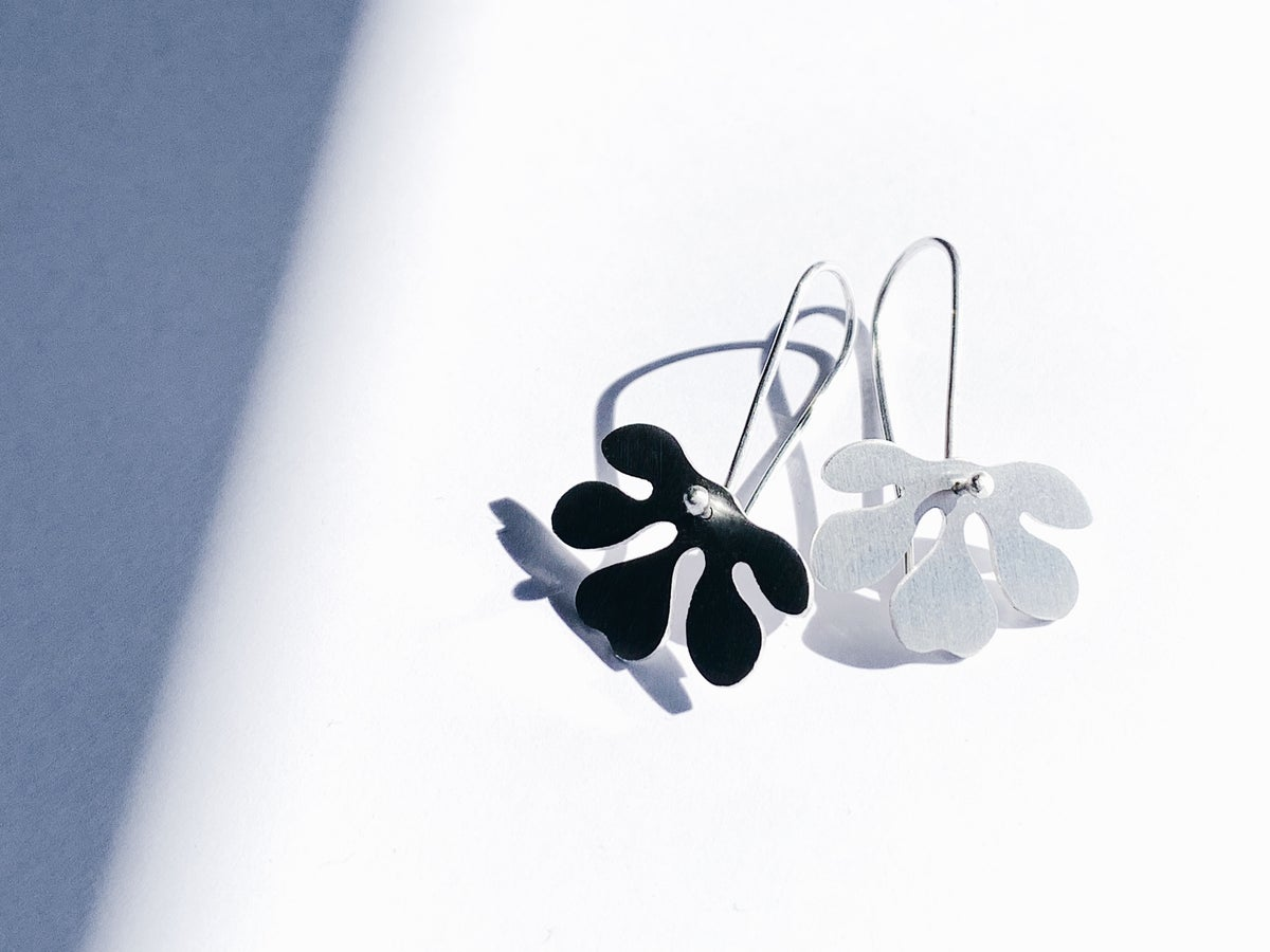 Image of Small Rue Earrings