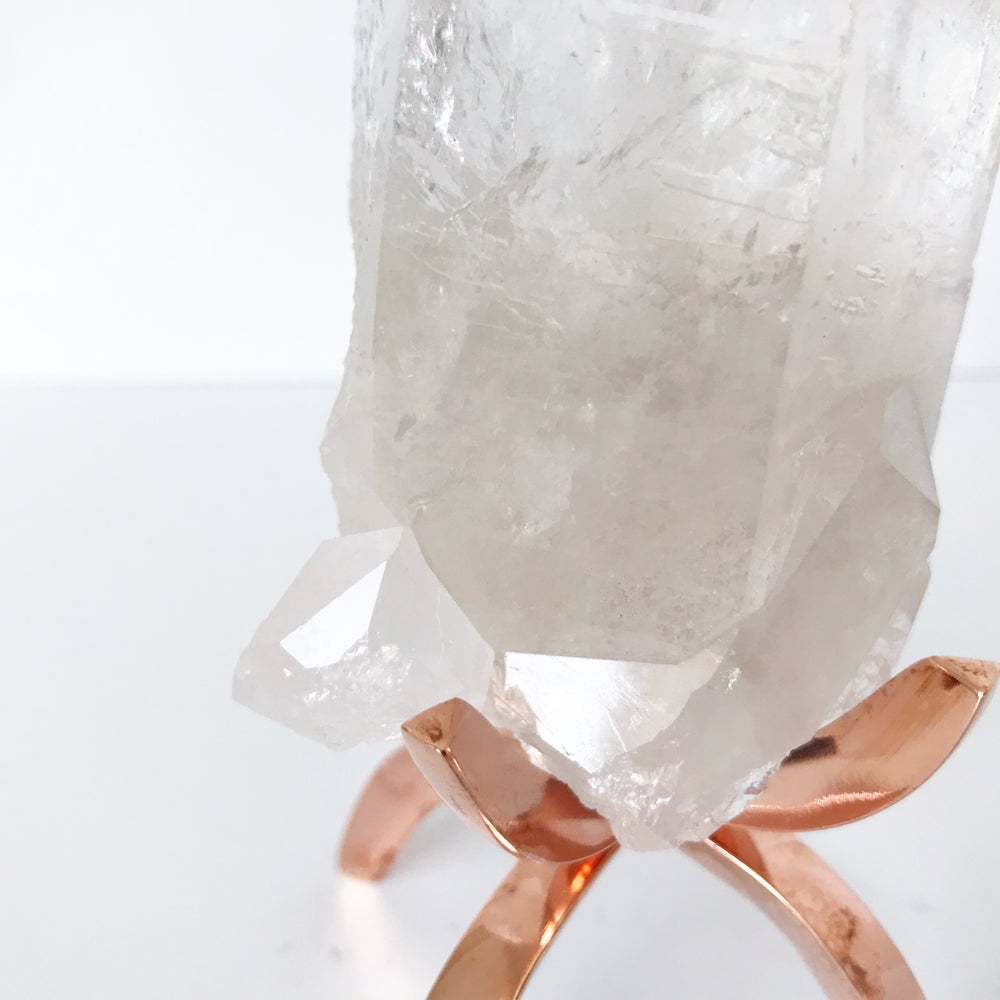 Image of Quartz no.49+ Limited Edition Rose Gold Claw Stand