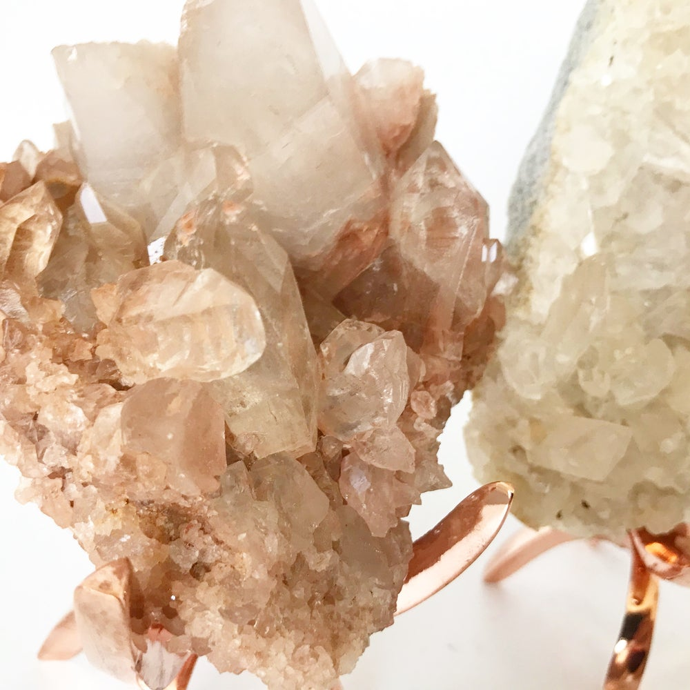 Image of Pink Quartz no.27 + Limited Edition Rose Gold Claw Stand