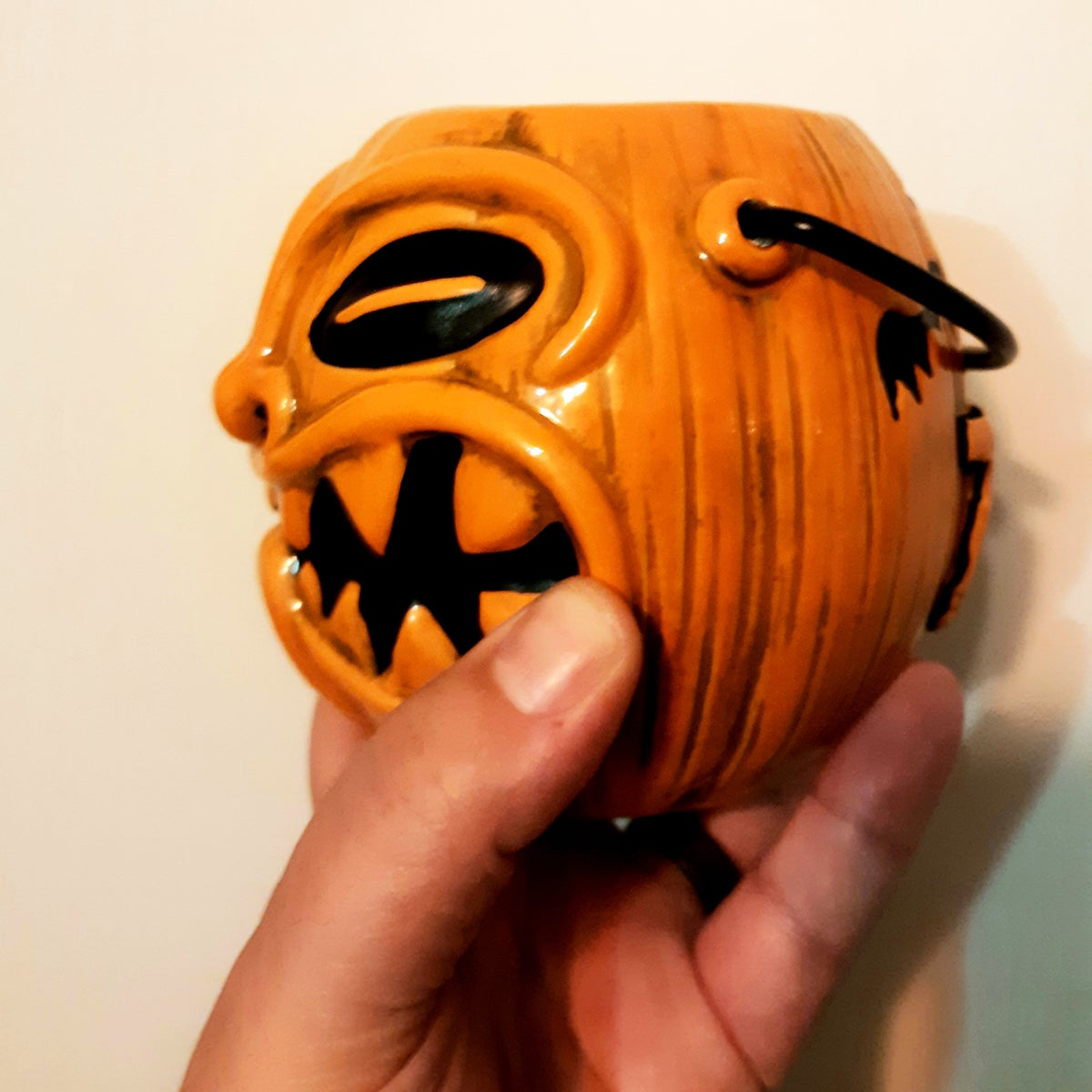 TRICK OR TIKI Limited Edition Halloween Pumpkin Pail 16oz Tiki Mug w/ Movable Handle