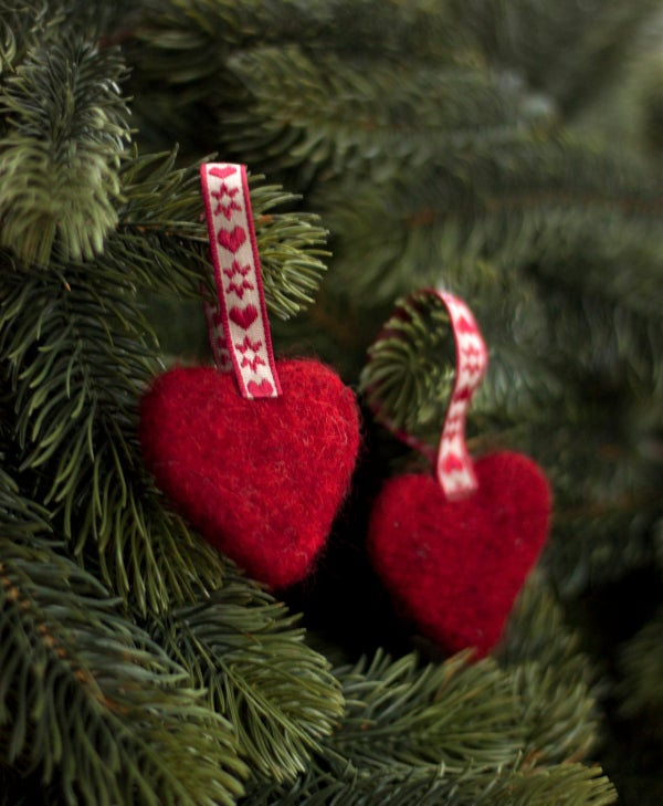 Image of NORDIC YULE DECORATION - A PAIR OF HEARTS 2