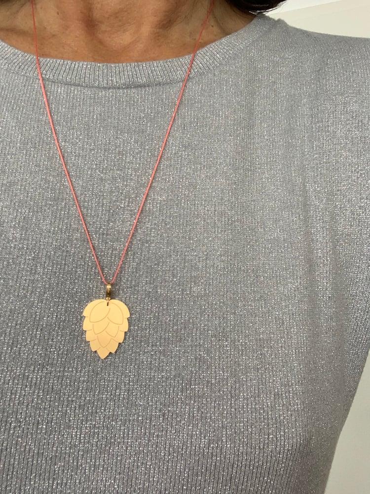 Image of little leaf_humulus lupulus_gelbgold