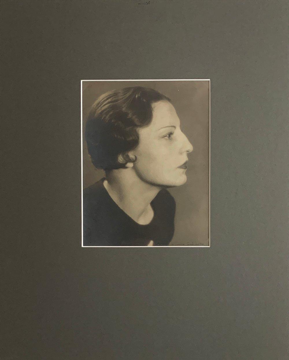 Laure ALBIN-GUILLOT - Portrait de femme, c.1930