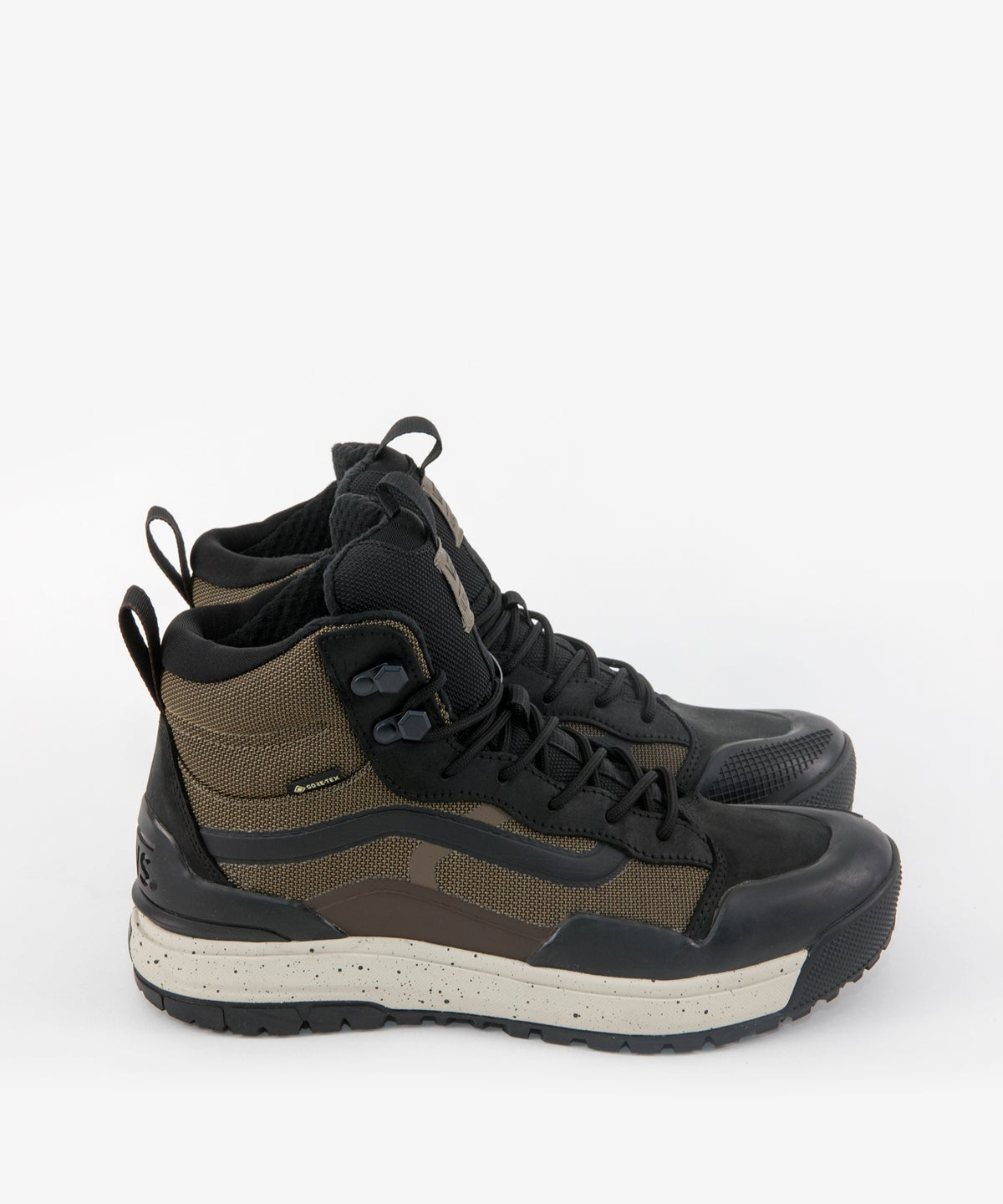 Image of VANS_ULTRARANGE EXO HI MTE GORE-TEX DW :::BROWN/BLACK:::