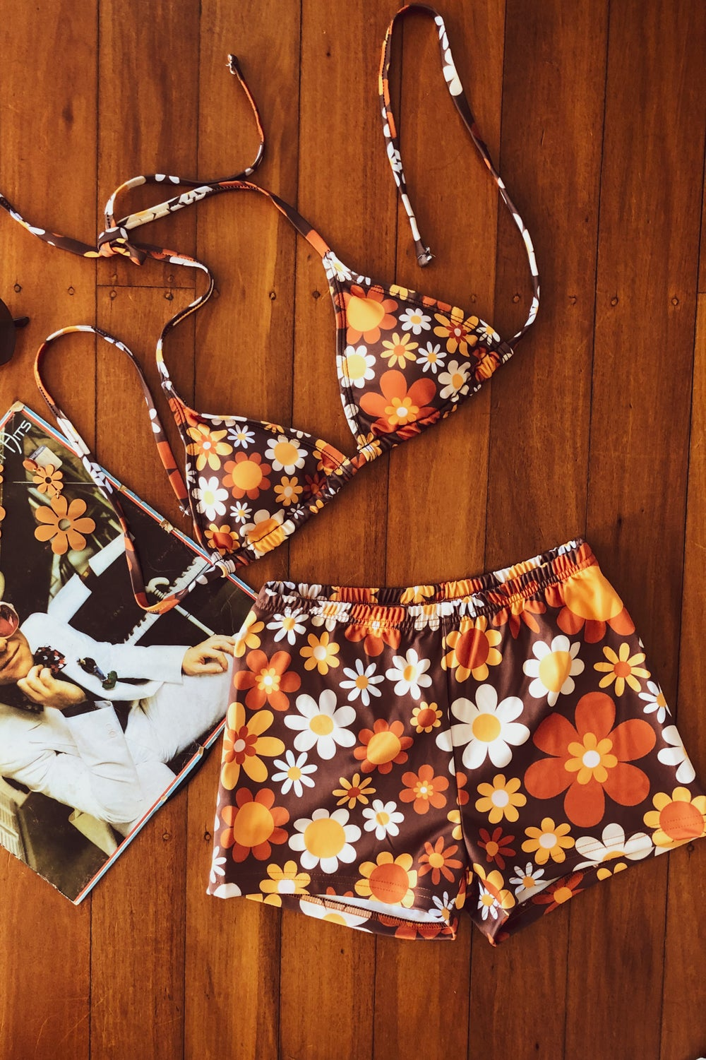 Shorty swim shorts in Sunny side up Brown