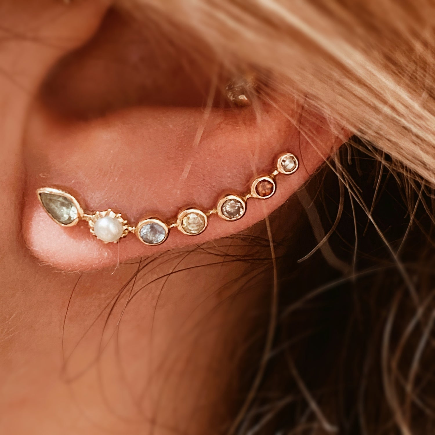 Image of EARCUFF PIERRES FINES.