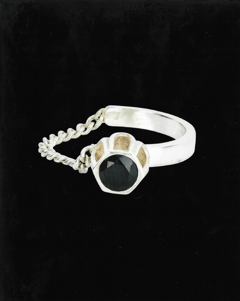 Image of BLACK SPINEL COBBLE RING