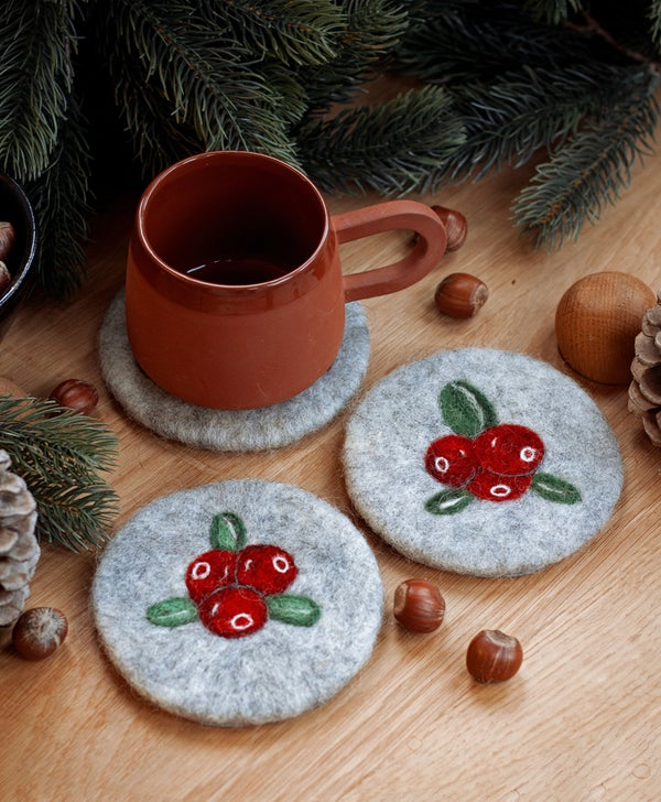 Image of WOOL COASTER SET - Lingon/huckle berries