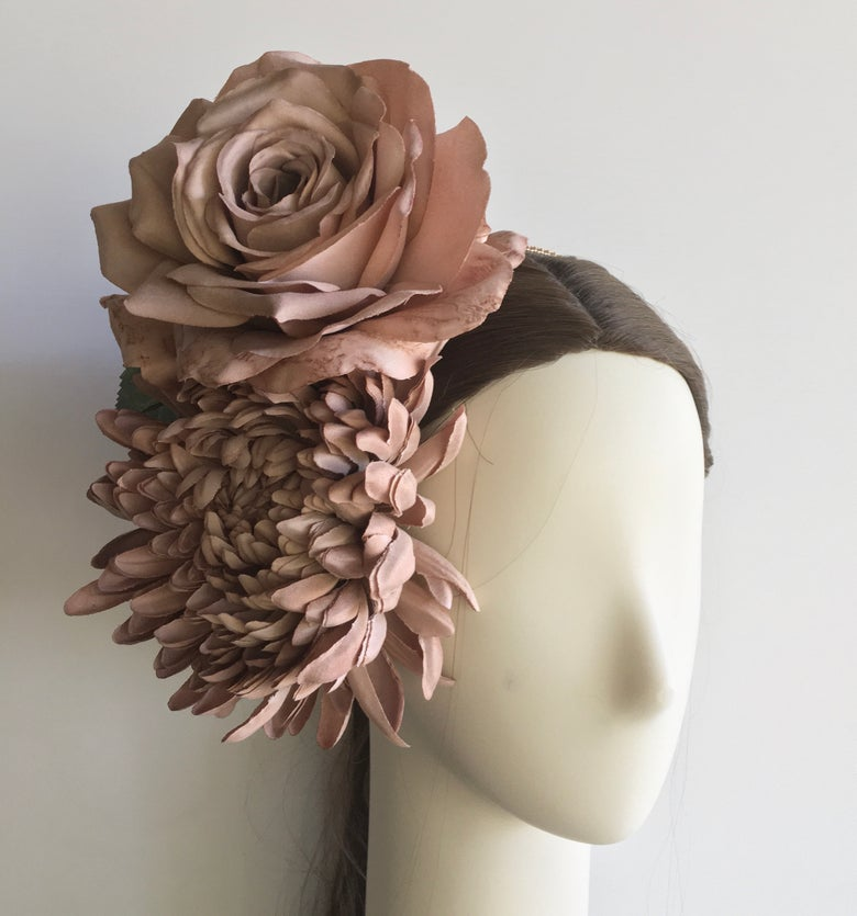 Image of Nude flower headpiece