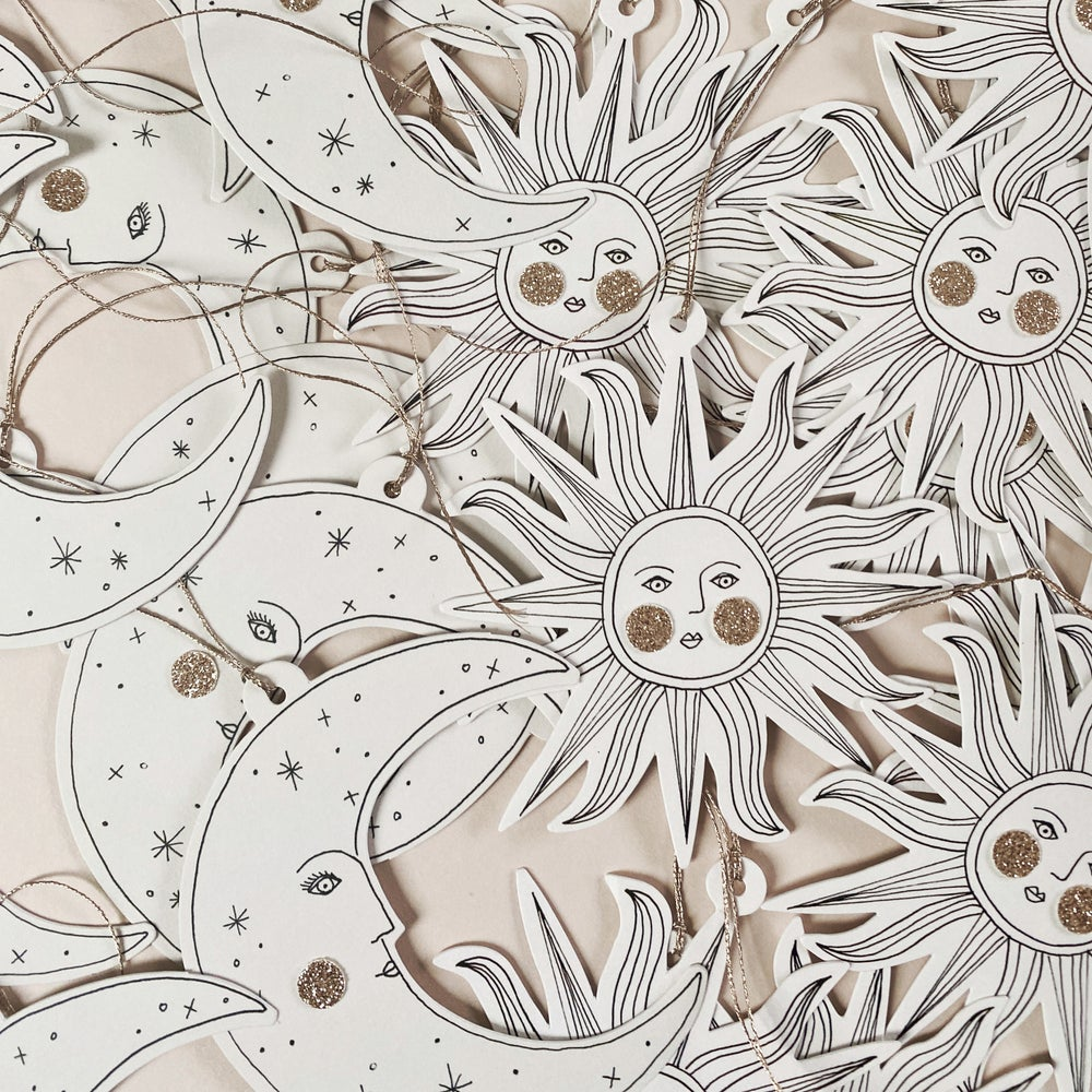 Image of Pack of 6 - Papercut Decorations with Postcards & Envelopes