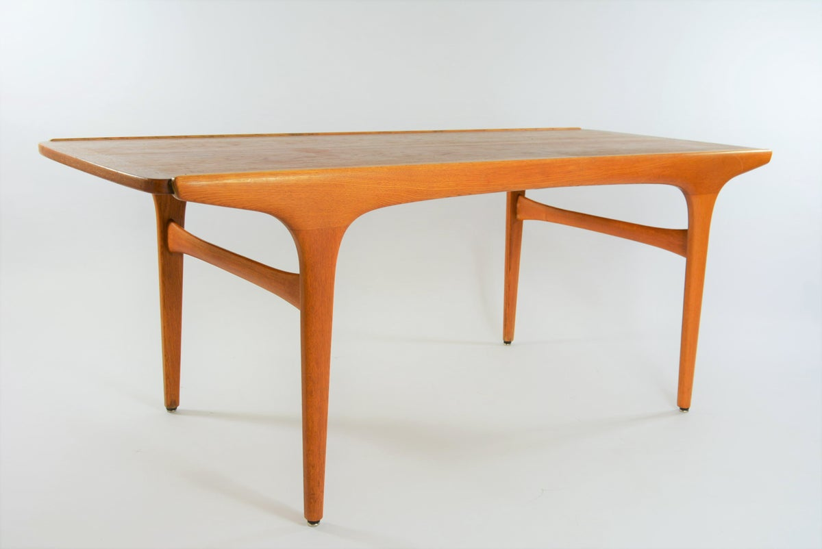 Image of Table basse teck et chene