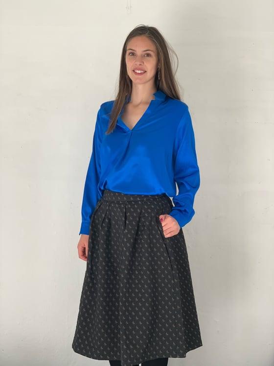 Image of Blå silke skjorte