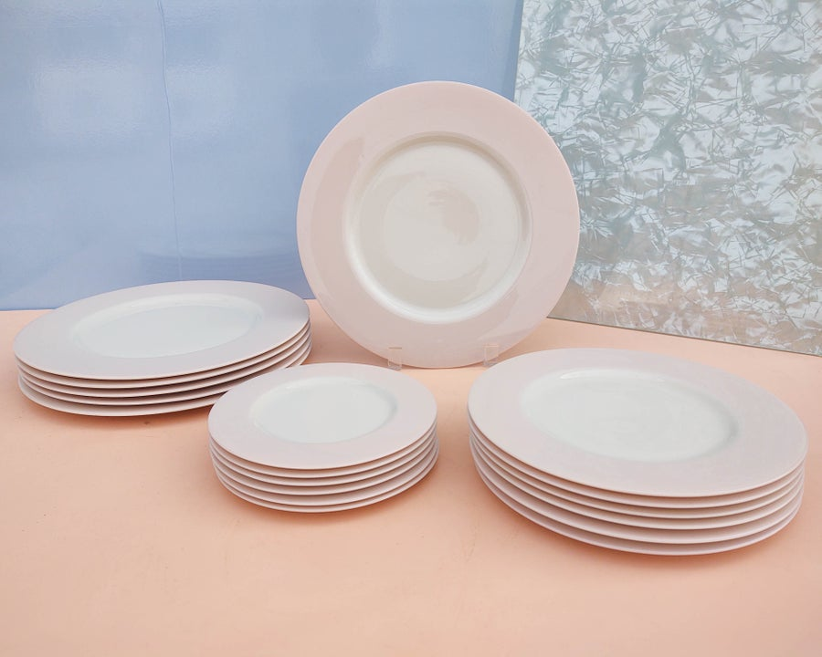 Image of Set (6) White Porcelain Dinnerware with Pink Border