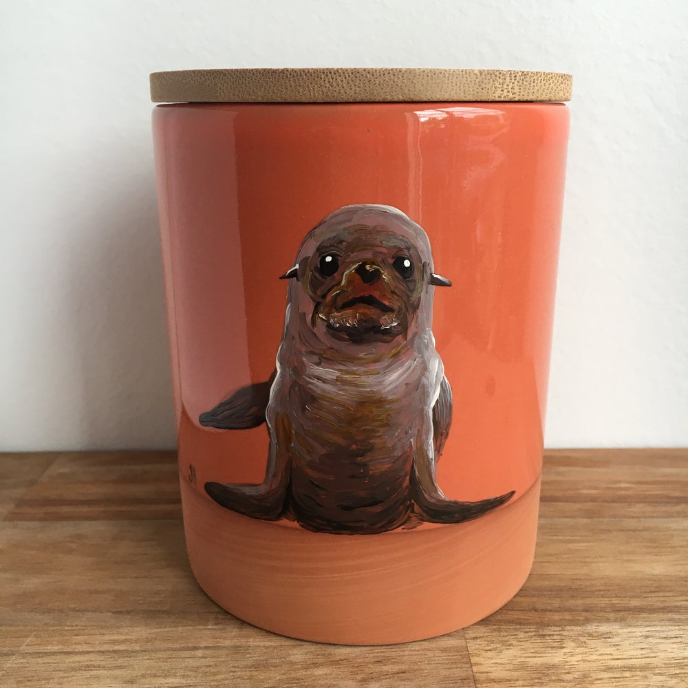 New Zealand Fur Seal Canister