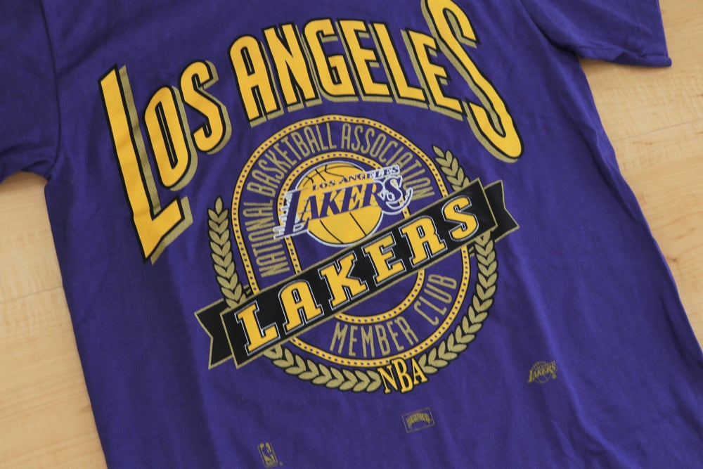 Image of Vintage 1990's Los Angeles Lakers Nutmeg Mills T-Shirt Sz.L (Youth)