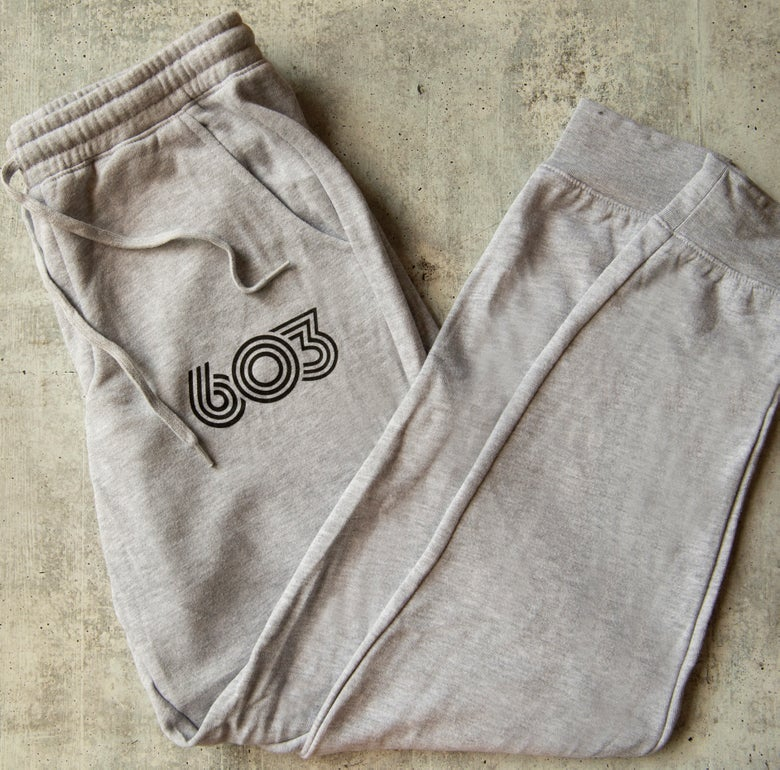 Image of Grey Men's Retro 603 sweatpants