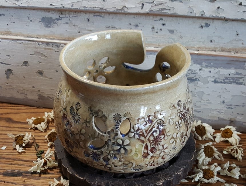 Image of Yarn Bowl for Your Wool: Mountain Flower Honey