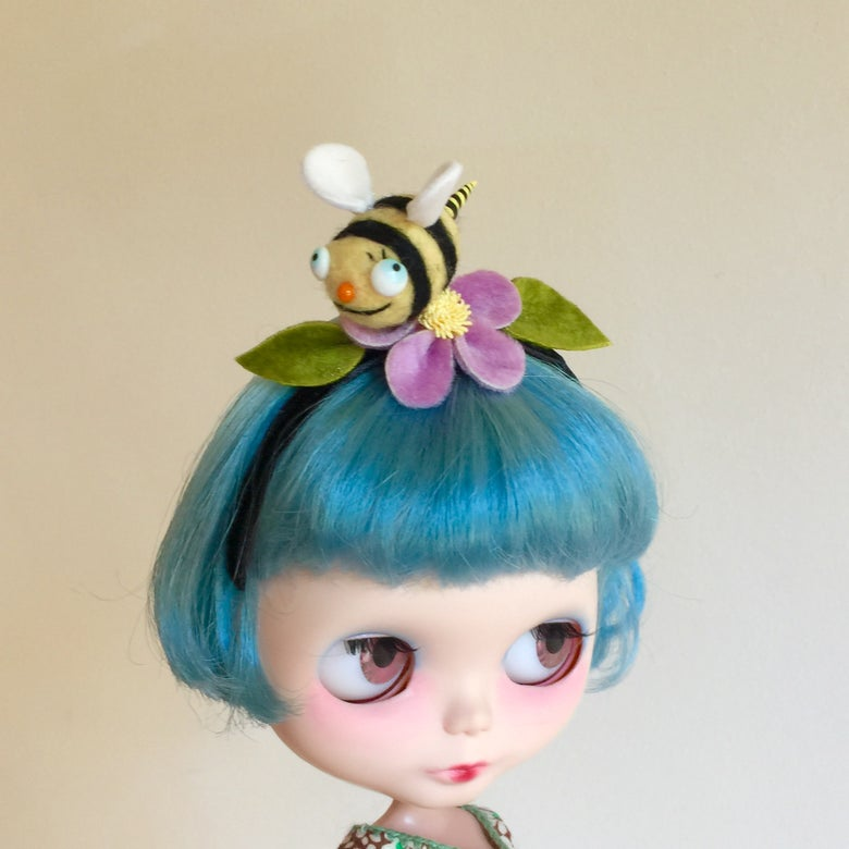 Image of Bumblebee Friend Headband for Blythe 2