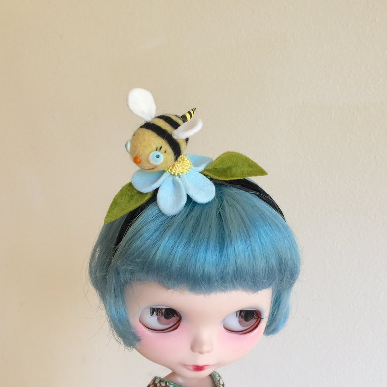 Image of Bumblebee Friend Headband for Blythe 4