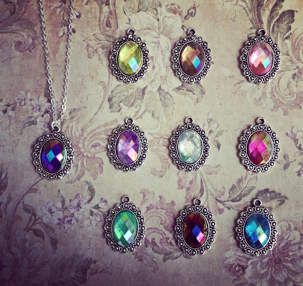 Image of Iridescent Oval frame - 10 colours