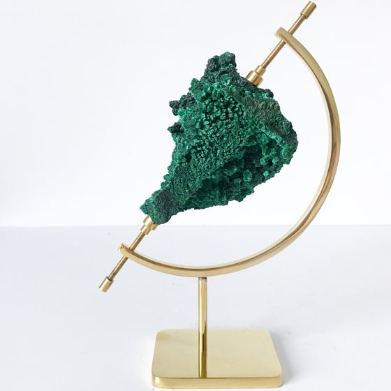 Image of Fibrous Malachite no.135 + Brass Arc Stand