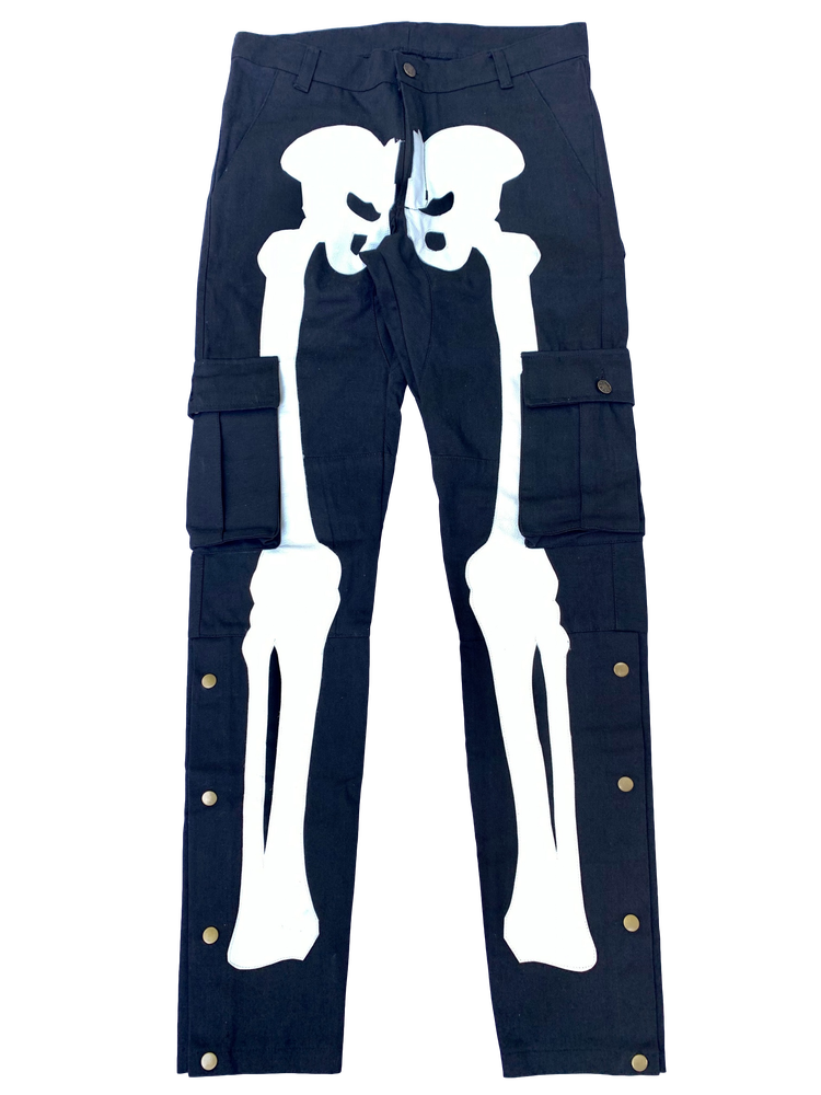 Image of BLACK SNAP CARGO BONE PANTS
