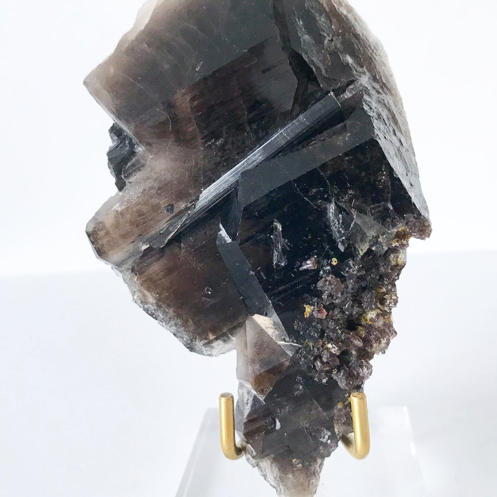 Image of Smoky Quartz/Tourmaline no.169 + Lucite and Brass Stand Pairing