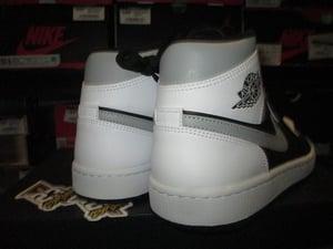 "Image of Air Jordan I (1) Retro Mid ""Light Shadow"""
