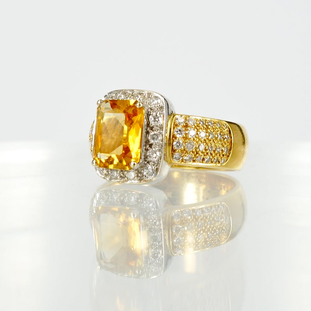 Image of 18ct yellow gold large citrine and grain set diamond cocktail ring. Pj5669