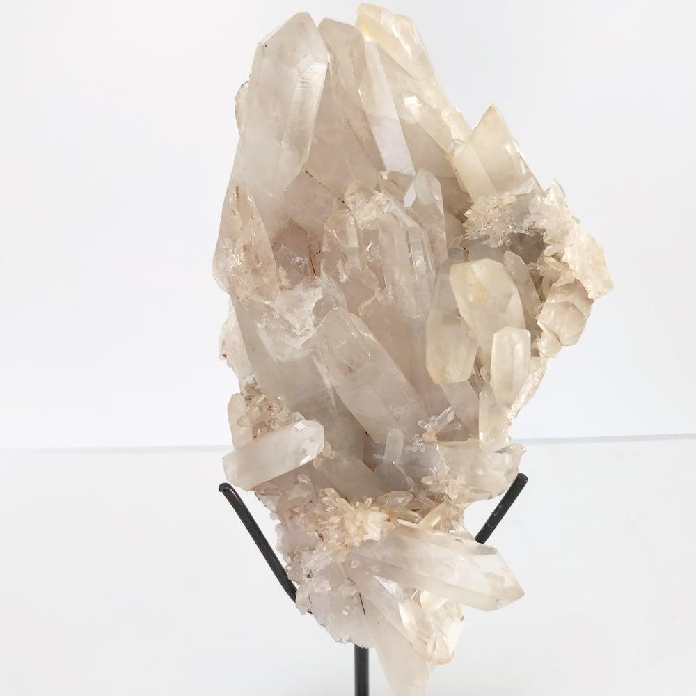 Image of Quartz no.180 + Matte Black Lucite Stand