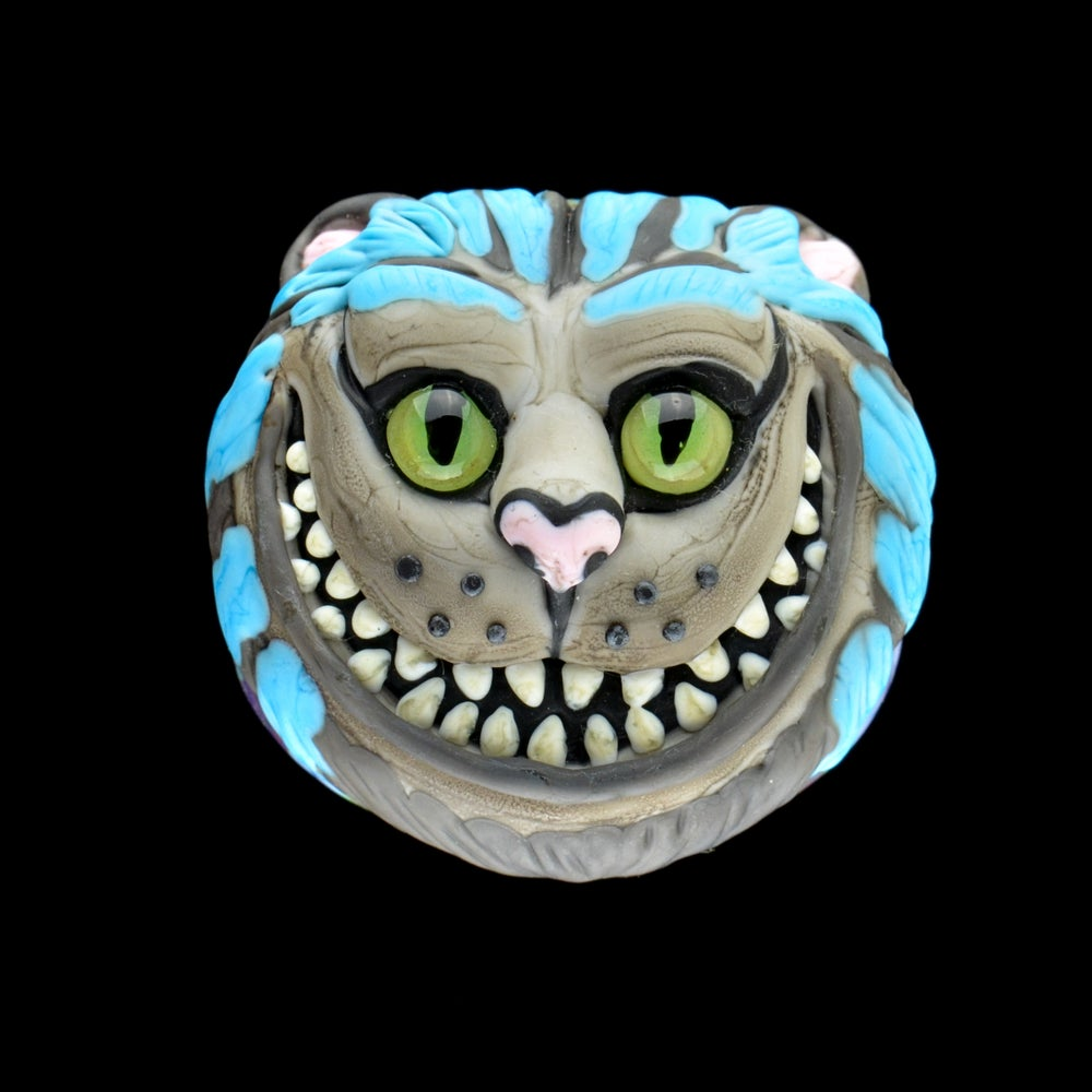 Image of XXL. Toothy Grinning Cheshire Cat - Flamework Glass Sculpture Bead