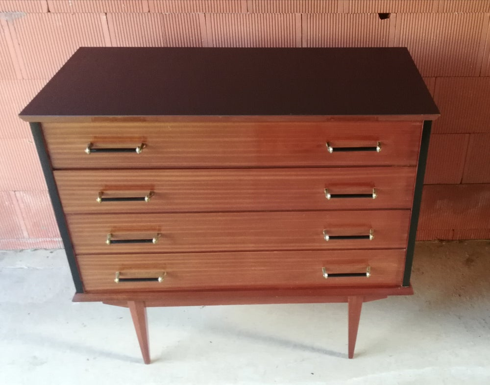 Image of Commode teck vintage