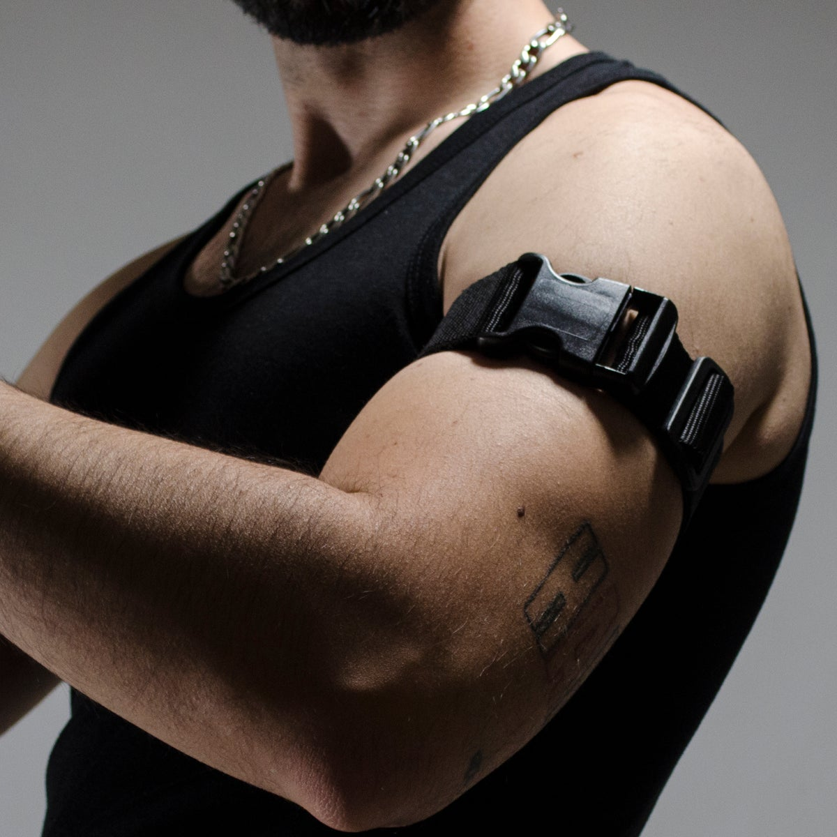 Image of TACTICAL ARMBAND / BLACK