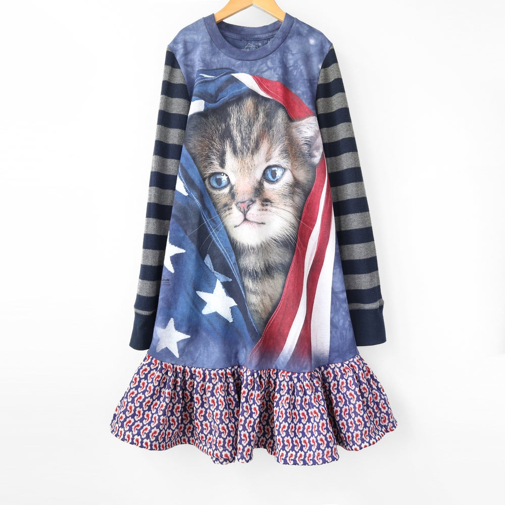 Image of red white and blue kitty cat 10/12 courtneycourtney vintage fabric us usa America election year